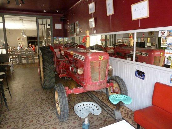 Tractor tom picture of le tracteur puimoisson tripadvisor - Le tracteur tom ...