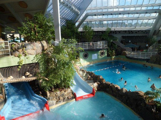 Sunparks kempense meren updated 2017 prices villa for Piscine miroir belgique