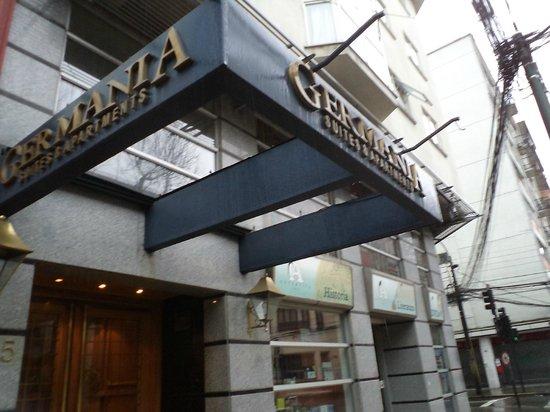 Hotel Germania Suites & Apartments: Chile, Concepción, Región del Bio-bío. Hotel Germania, Entrada por calle Anibal Pinto.