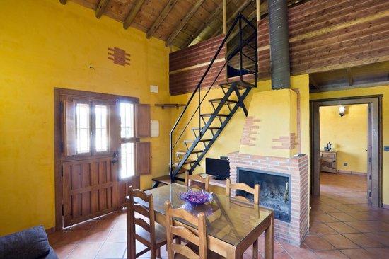 Complejo Rural el Molinillo: Salón de la casa