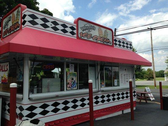 Willie's Ice Cream Stand