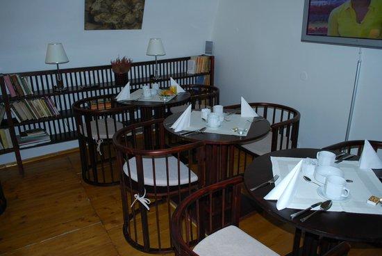 Domus Henrici Boutique Hotel: Breakfast room.
