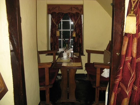 Hoops Inn: Room