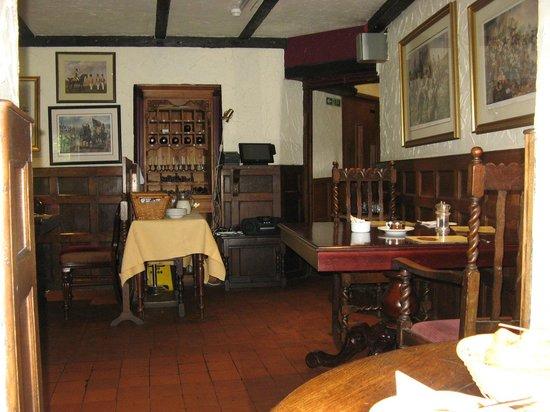 Hoops Inn: Dining room (pity it wasn't open in the evening)