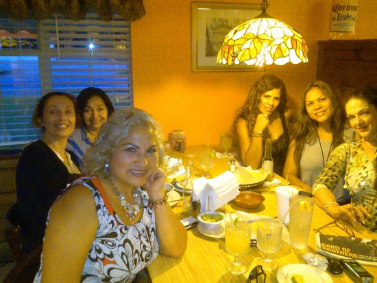 El Potro Mexican Restaurant: Party of friends enjoyng an evening there