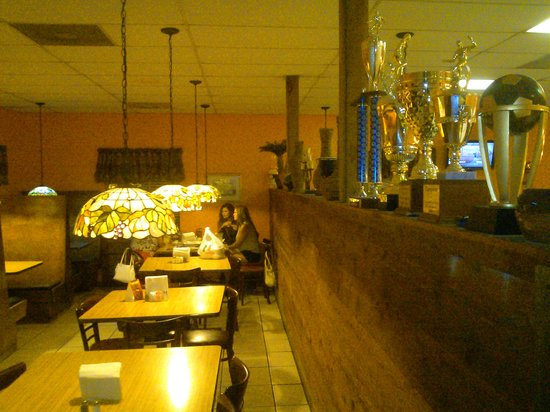 El Potro Mexican Restaurant: Dining are on the left side
