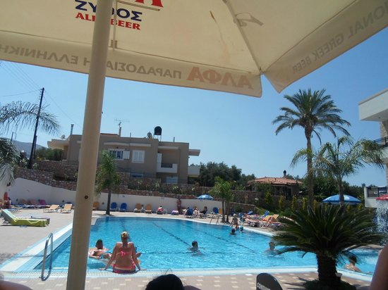 Real Palace: view from pool bar