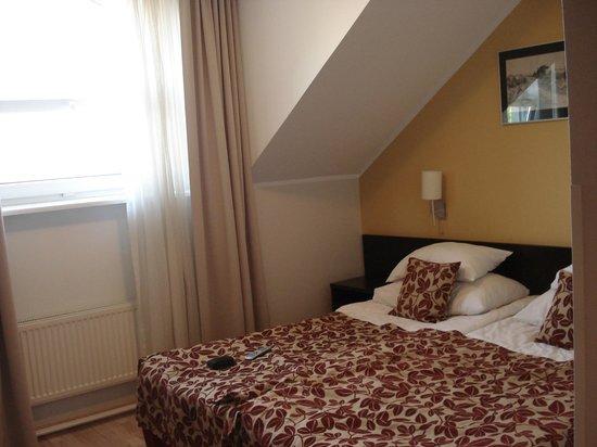 Kreutzwald Hotel Tallinn: Our room on the fifth floor
