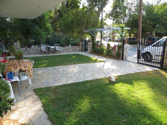 Maistrali Apartments - garden