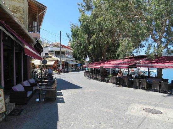 Maistrali: Port Vassiliki - taverns