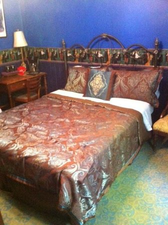 Royal Barracks Guest House: Blu Room