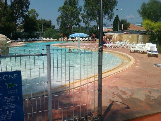La plage de st asile picture of camping la presqu 39 ile for Camping st palais sur mer avec piscine