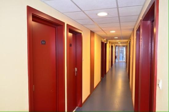 Hotel Cap Europe: Hotel room corridor.