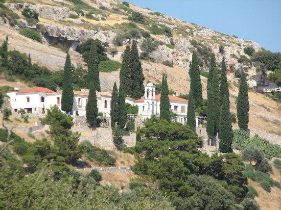 Spiliani Klostrets klokketårn - Picture of Monastery of Panagia Spiliani, Pyt...