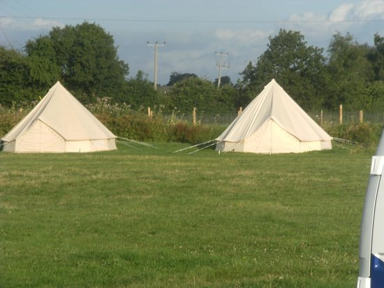 Brook House Farm Bed & Breakfast : Abit of glamping - Bell tents - nice