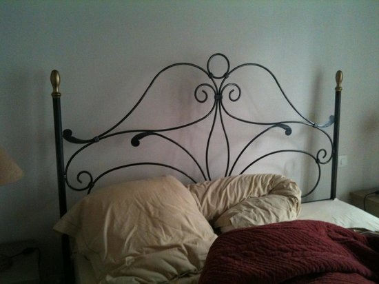 Senan, France : notre lit