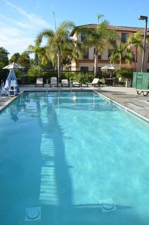 Hampton Inn & Suites Camarillo: Great pool!