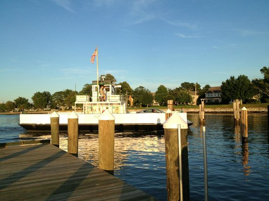 Oxford, MD: Arriving at dock