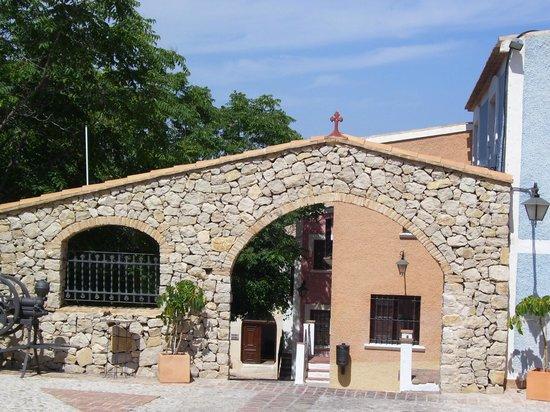 Pueblo Acantilado Suites : place du pueblo