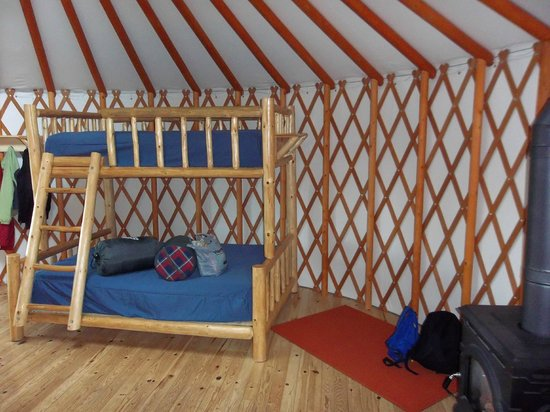 Fundy National Park: Clean and bright yurt with comfortable beds and heater