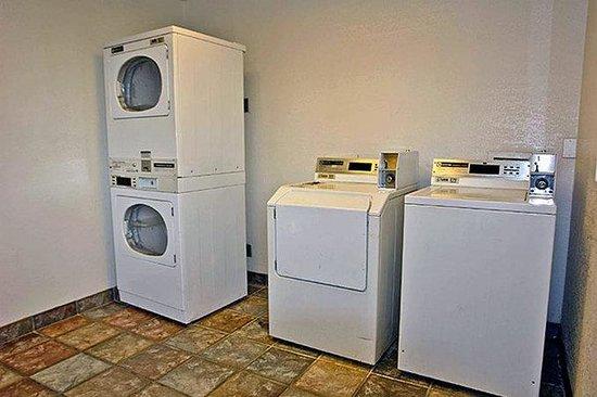 Motel 6 Little Rock - North: Laundry