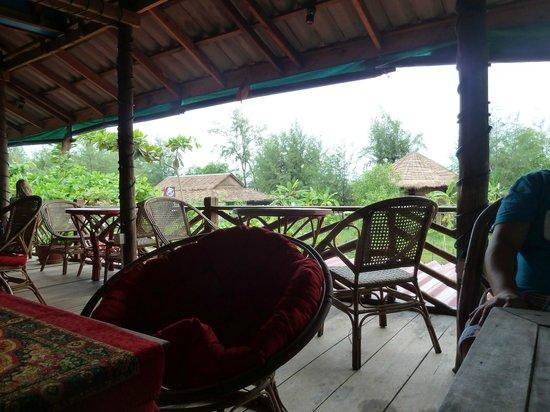 Otres Beach Resort: Dining area.