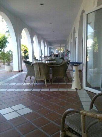Hotel El Puntazo: terraza exterior del hotel