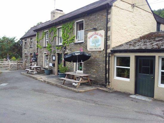 The Royal Oak Inn: Front View