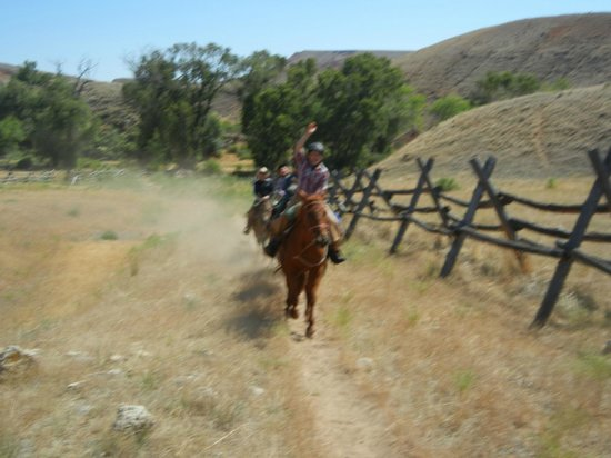The Hideout Lodge & Guest Ranch : Loping