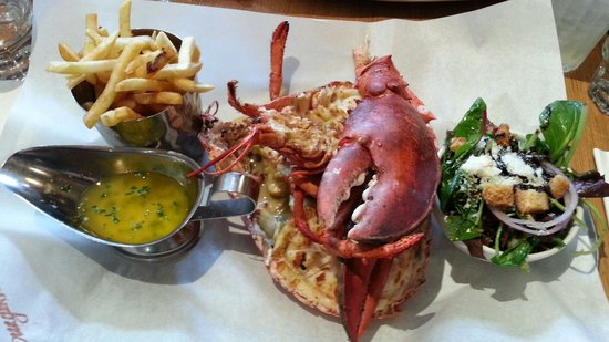 Grill lobster with lemon butter sauce - Foto di Burger & Lobster ...