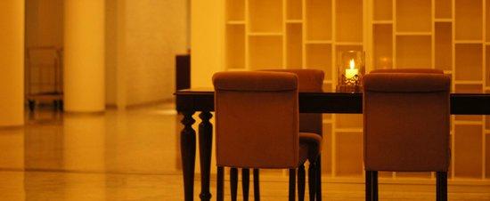 NM Lima Hotel: salón y lobby