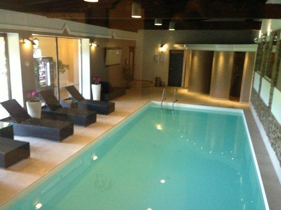 Hotel Gerl: Piscina interior y sauna