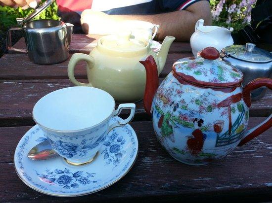 Coffee Cups: Lovely tea pot!