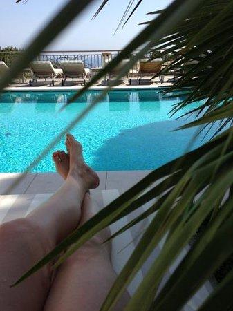 Hotel Canasta: y con el mar en el horizonte