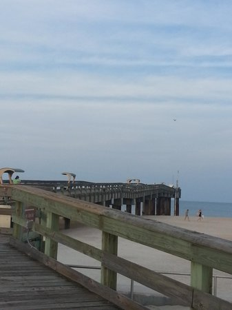 Regency Inn & Suites: The pier