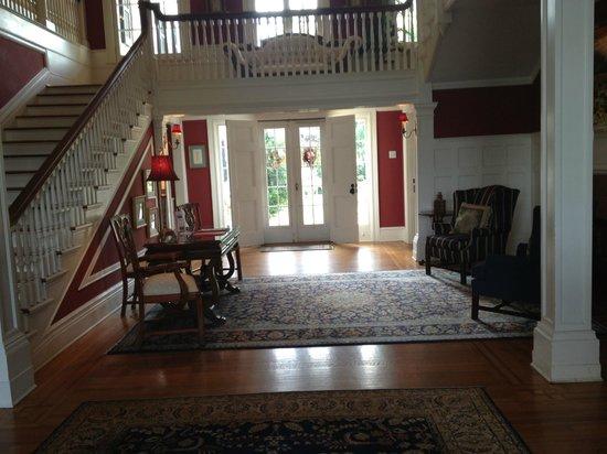 Rosemont Manor: Entryway