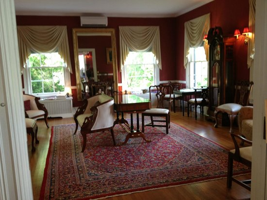 Rosemont Manor : Music room / library