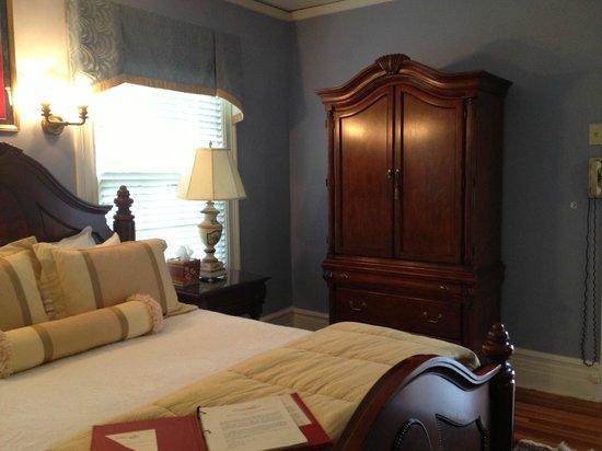 Rosemont Manor : Nixon Suite