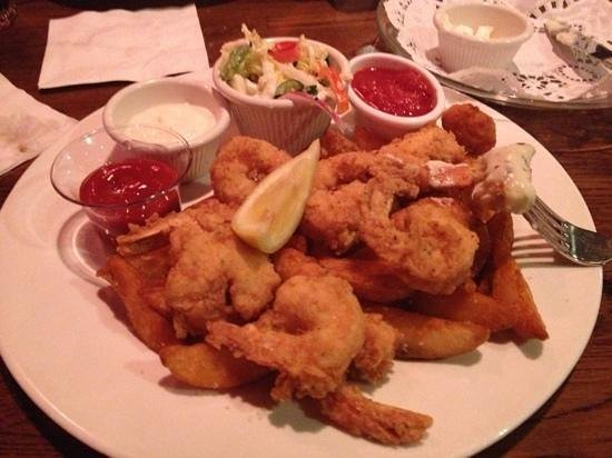 Brett's Waterway Cafe: Fried shrimp with corn fritters & wedge potatoes