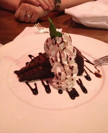 Brett's Waterway Cafe: Chocolate tort with mint ice cream was heaven!!!