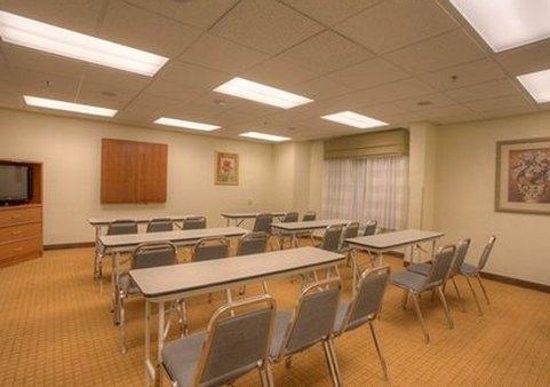 Sleep Inn Murfreesboro : meeting room