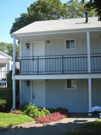 Blue Rock Resort: entry- Room 215