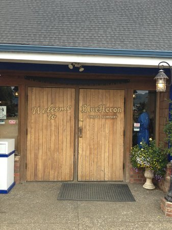 Blue Heron Cheese & Wine Company: front doors