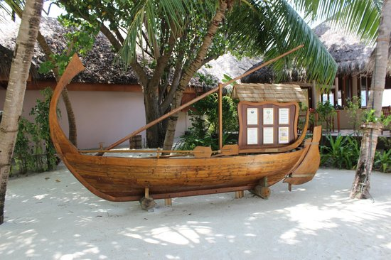 Veligandu Island Resort & Spa: Dhonveli Restaurant Decor