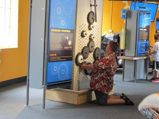 Buffalo Museum of Science: The hubster trying out the gears!