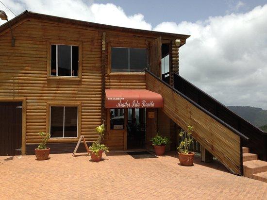 Restaurante Asador Isla Bonita: The restaurant's entrance