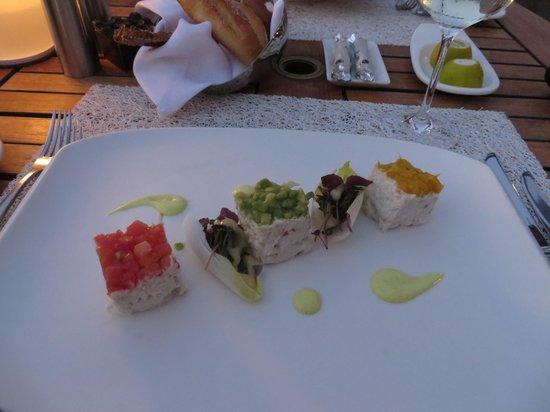 Finz: Crab with tomato, mango & avocado toppings