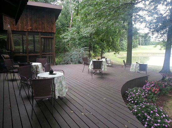 The Inn at White Oak: The deck outside the General's quarters