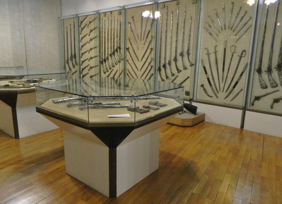 Maritime Museum : A collection o weapons