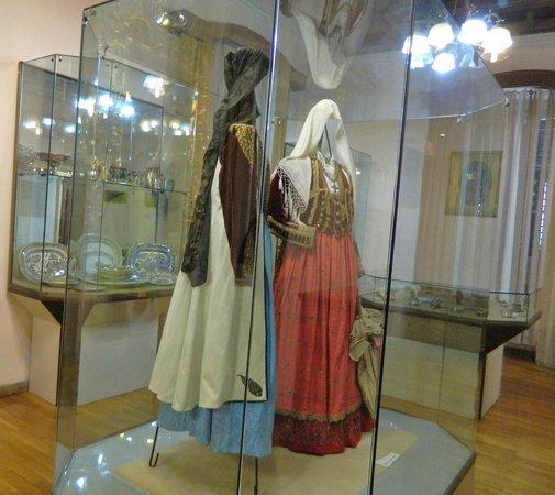 Maritime Museum : Folk costumes of Montenegro